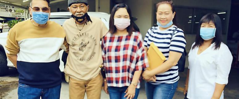 พยัพ คำพันธุ์ นำทัพผองเพื่อนบริจาคข้าวสารให้ประชาชนที่เดือดร้อนทั่วทุกภาคของประเทศไทย